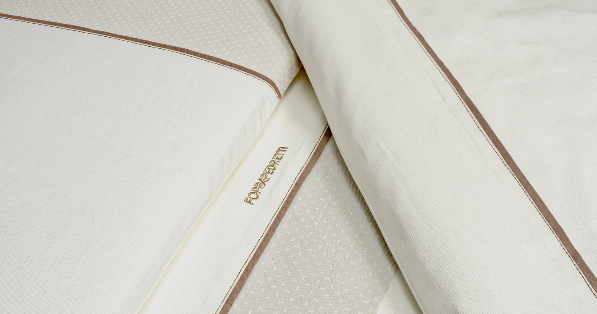 Bedding sets for cot